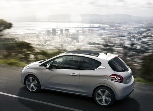 Peugeot 208 Access 3 porte con motore 12V 1.0 VTi da 68 CV a 11.650 € - Foto 23 di 48