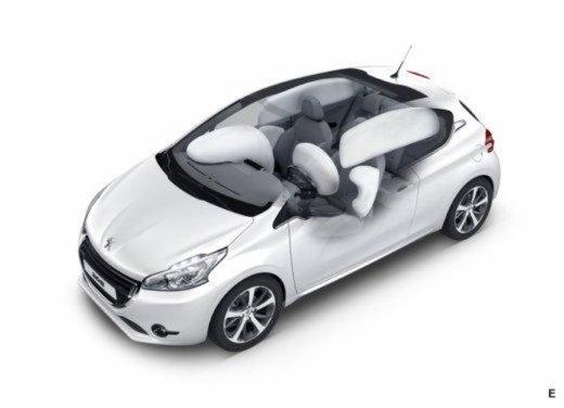 Peugeot 208 Access 3 porte con motore 12V 1.0 VTi da 68 CV a 11.650 € - Foto 47 di 48