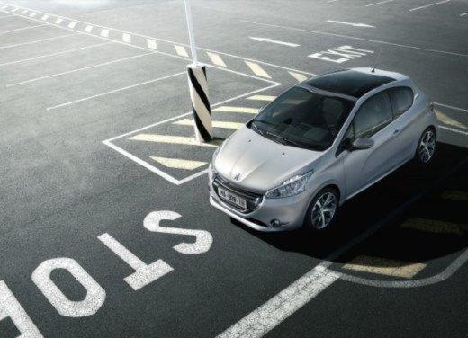 Peugeot 208 Access 3 porte con motore 12V 1.0 VTi da 68 CV a 11.650 € - Foto 2 di 48