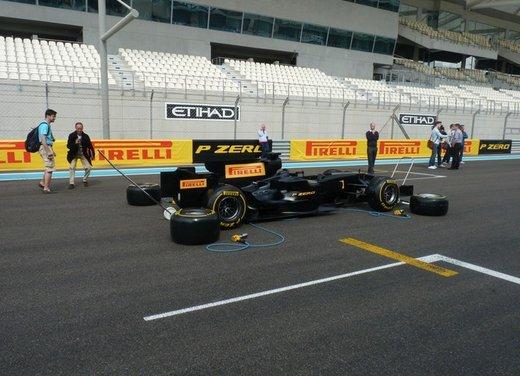 F1 2012: il GP di Abu Dhabi dal punto di vista dei Pirelli P Zero - Foto 1 di 48