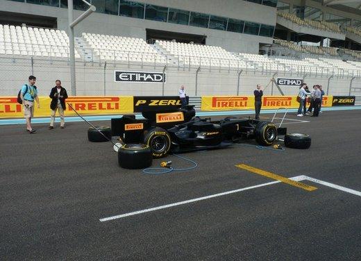 F1 2012: il GP di Abu Dhabi dal punto di vista dei Pirelli P Zero - Foto 2 di 48