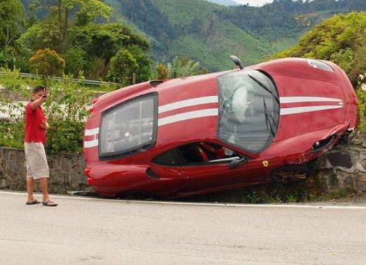 Incidenti Ferrari, tutti i crash più curiosi - Foto 10 di 22