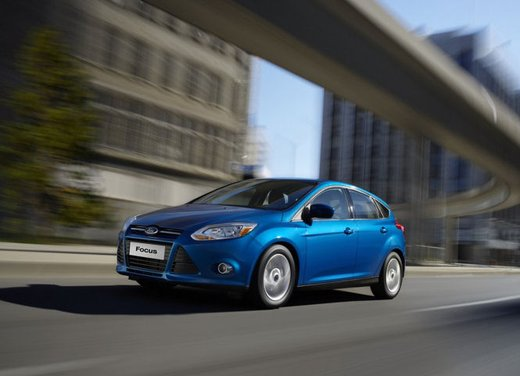 Ford Focus 1.0 Turbo EcoBoost - Foto 2 di 17
