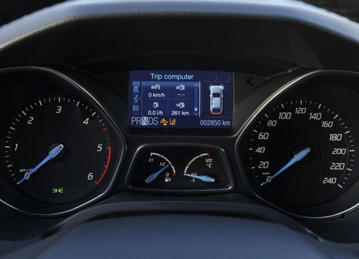 Ford Focus 1.0 Turbo EcoBoost - Foto 11 di 17