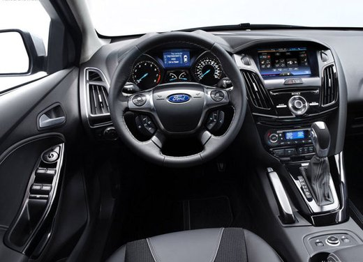 Ford Focus 1.0 Turbo EcoBoost - Foto 6 di 17
