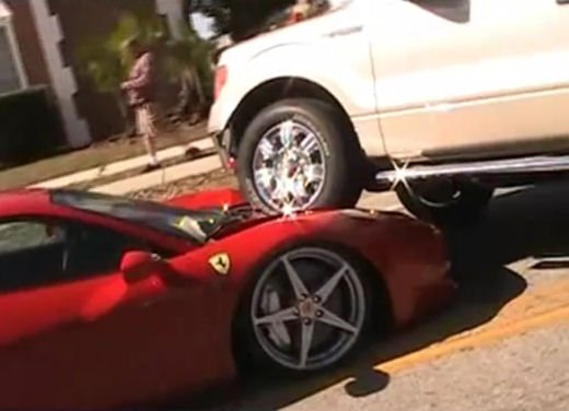 Incidenti Ferrari, tutti i crash più curiosi - Foto 1 di 22