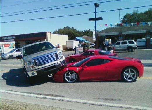 Incidenti Ferrari, tutti i crash più curiosi - Foto 3 di 22