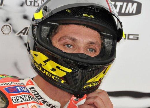 MotoGP: Ben Spies in testa e Valentino Rossi  ottavo nei test della mattina - Foto 6 di 12