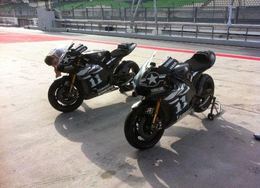 MotoGP: Ben Spies in testa e Valentino Rossi  ottavo nei test della mattina - Foto 4 di 12