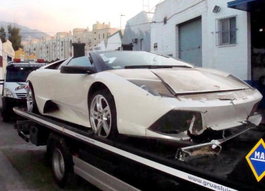 Incidenti Lamborghini, crash singolari da tutto il mondo - Foto 12 di 20