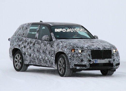 Foto spia degli Interni della nuova BMW X5 - Foto 1 di 11