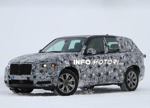 Foto spia degli Interni della nuova BMW X5 - Foto 4 di 11
