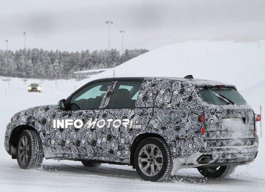 Foto spia degli Interni della nuova BMW X5 - Foto 6 di 11