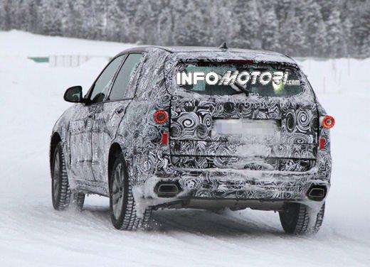 Foto spia degli Interni della nuova BMW X5 - Foto 8 di 11