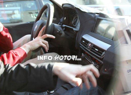 Foto spia degli Interni della nuova BMW X5 - Foto 10 di 11