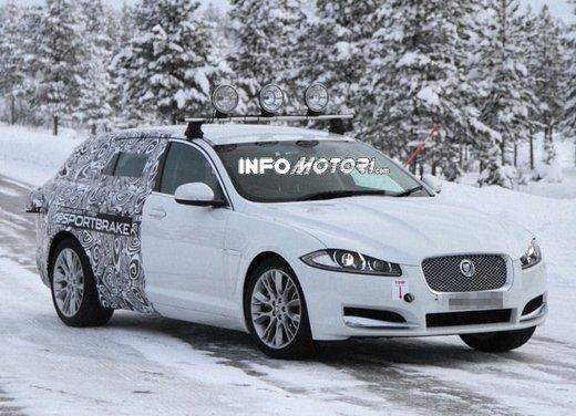 Jaguar XF Sportbrake: nuove foto spia prima del Salone di Ginevra