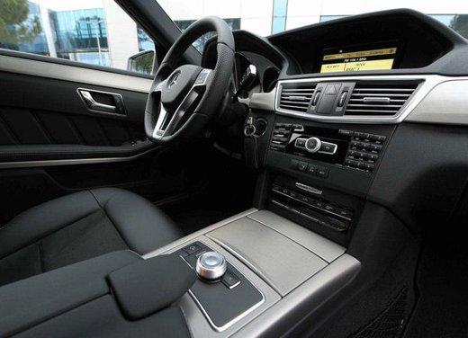 Prova su strada della Nuova Mercedes Classe E berlina, station wagon, cabrio e coupé - Foto 20 di 29