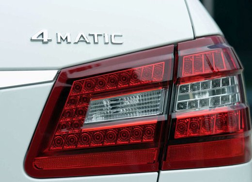 Prova su strada della Nuova Mercedes Classe E berlina, station wagon, cabrio e coupé - Foto 19 di 29