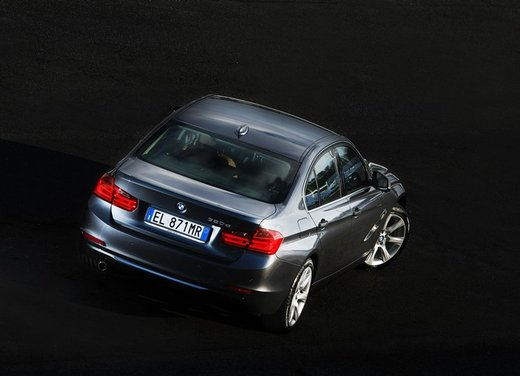 BMW Serie 3: test drive della nuova BMW 335i - Foto 16 di 21