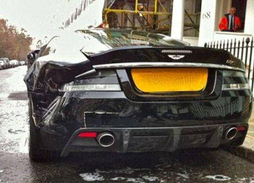 Ferrari 458 Italia crash, incidente a causa della neve - Foto 8 di 15
