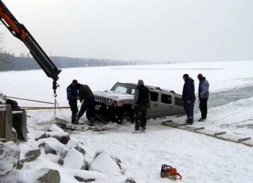 Ferrari 458 Italia crash, incidente a causa della neve - Foto 14 di 15