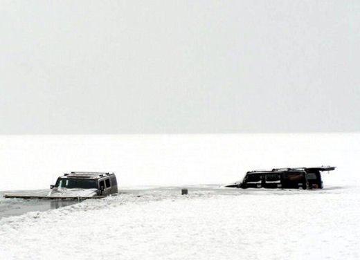 Ferrari 458 Italia crash, incidente a causa della neve - Foto 10 di 15