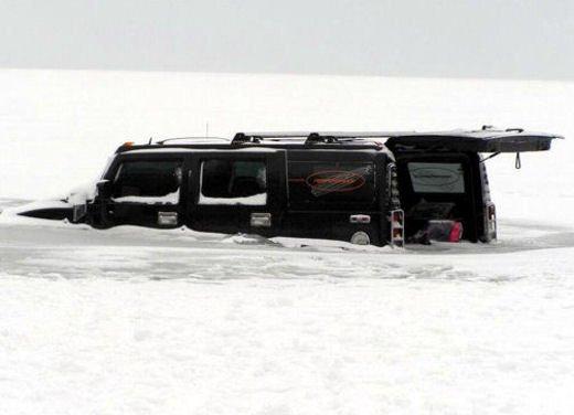 Ferrari 458 Italia crash, incidente a causa della neve - Foto 11 di 15