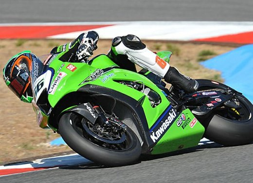 Superbike 2012 test a Phillip Island: Tom Sykes primo, Carlos Checa secondo - Foto 22 di 27