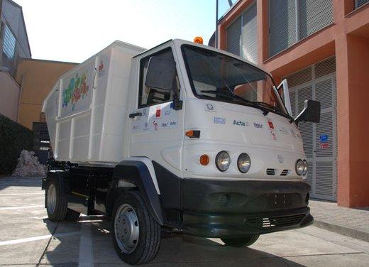 Primo veicolo alimentato ad ammoniaca presentato a Pontedera - Foto 1 di 3