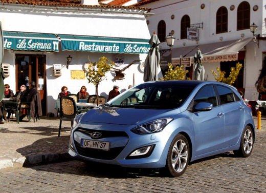 Hyundai i30 offerta al prezzo di 13.700 euro - Foto 9 di 13