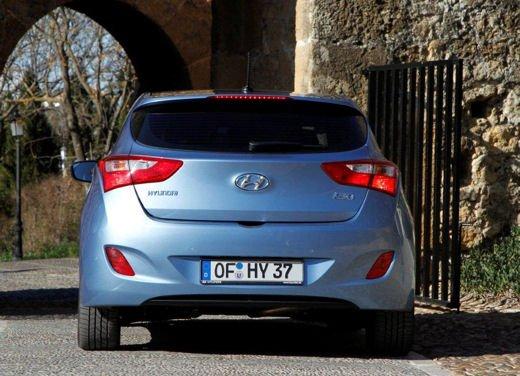 Hyundai i30 offerta al prezzo di 13.700 euro - Foto 11 di 13
