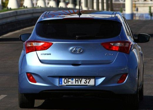 Hyundai i30 offerta al prezzo di 13.700 euro - Foto 12 di 13