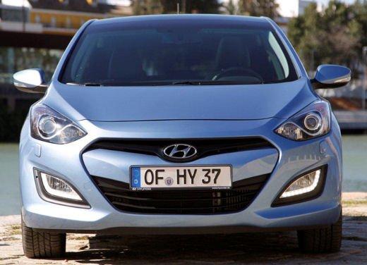Hyundai i30 offerta al prezzo di 13.700 euro - Foto 2 di 13