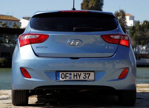 Hyundai i30 offerta al prezzo di 13.700 euro - Foto 3 di 13