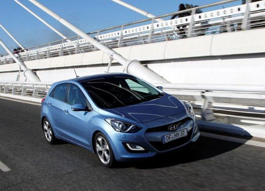 Hyundai i30 offerta al prezzo di 13.700 euro - Foto 4 di 13