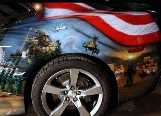 """Chevrolet Camaro """"American Pride"""", la muscle car diventa arte - Foto 7 di 24"""