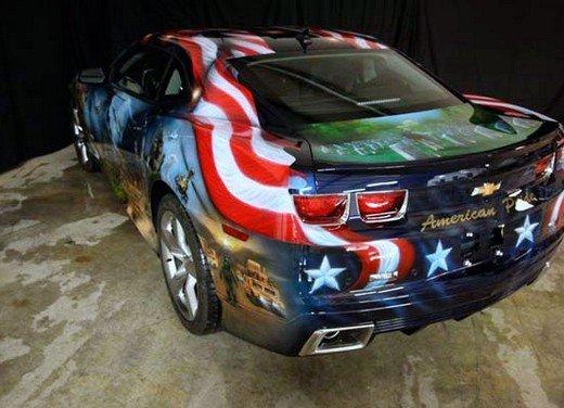 """Chevrolet Camaro """"American Pride"""", la muscle car diventa arte - Foto 12 di 24"""