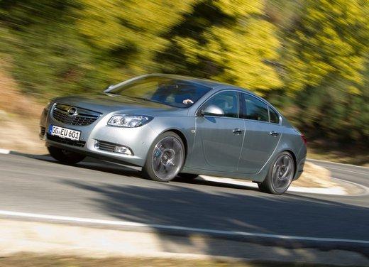 Opel Insignia: test drive della versione doppio turbo - Foto 21 di 40