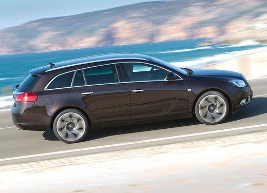 Opel Insignia: test drive della versione doppio turbo - Foto 24 di 40