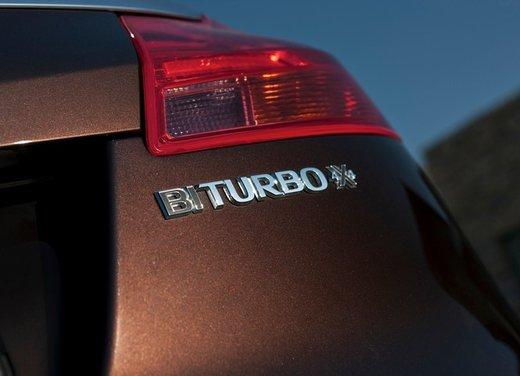 Opel Insignia: test drive della versione doppio turbo - Foto 25 di 40
