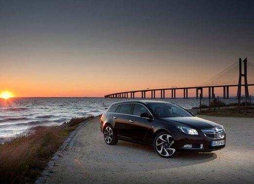 Opel Insignia: test drive della versione doppio turbo - Foto 30 di 40