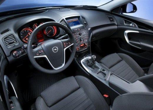 Opel Insignia: test drive della versione doppio turbo - Foto 34 di 40