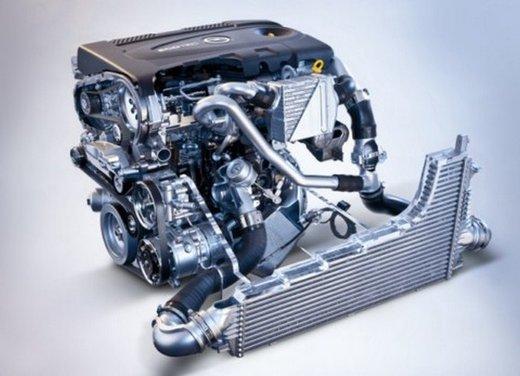 Opel Insignia: test drive della versione doppio turbo - Foto 35 di 40