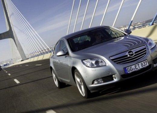 Opel Insignia: test drive della versione doppio turbo - Foto 36 di 40