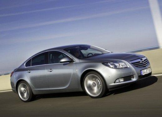 Opel Insignia: test drive della versione doppio turbo - Foto 37 di 40