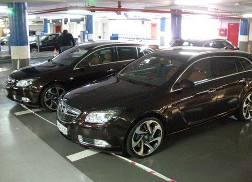Opel Insignia: test drive della versione doppio turbo - Foto 3 di 40