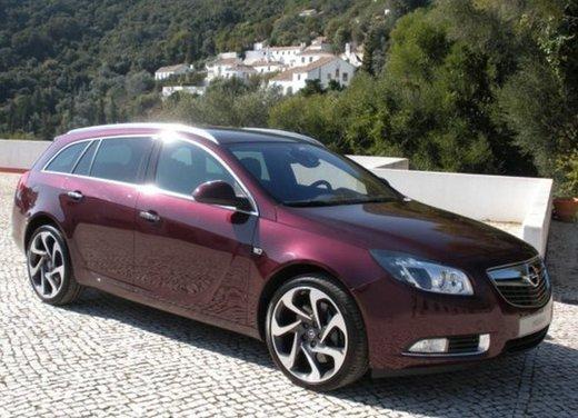 Opel Insignia: test drive della versione doppio turbo - Foto 6 di 40
