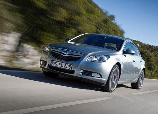 Opel Insignia: test drive della versione doppio turbo - Foto 11 di 40