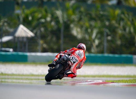 Dainese ed AGV proteggono con casco e tuta i campioni di MotoGP e SBK con Valentino Rossi e Max Biaggi in testa - Foto 12 di 16