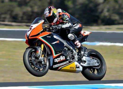 Dainese ed AGV proteggono con casco e tuta i campioni di MotoGP e SBK con Valentino Rossi e Max Biaggi in testa - Foto 3 di 16